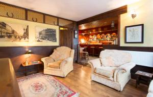 rent a pub on airbnb