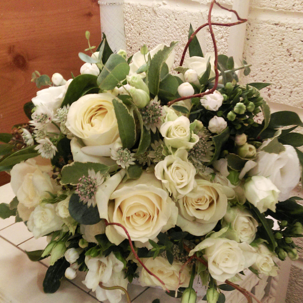 Ask The Experts A Guide To Picking Your Wedding Flowers By Season