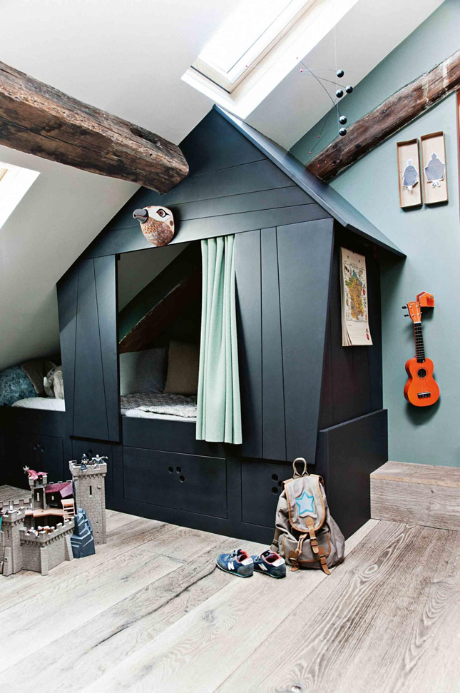 Clever use of bedroom space