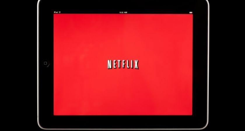 World's first Netflix addict admitted into 'digital rehab'