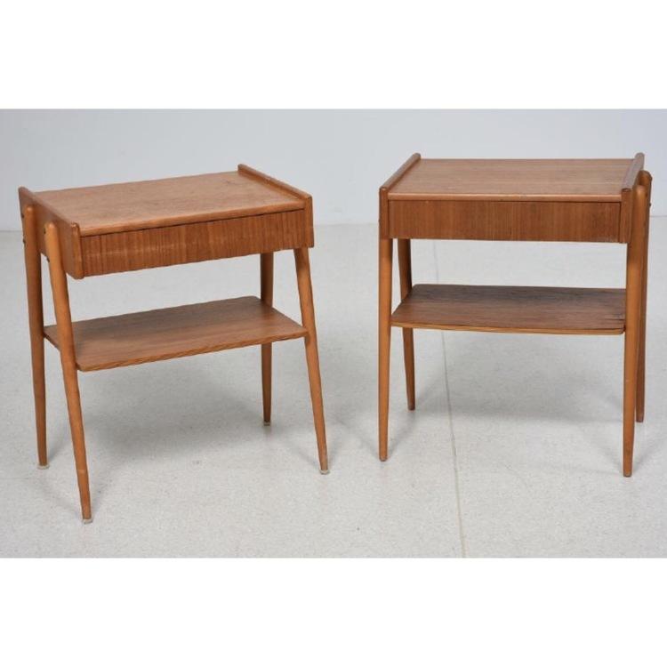 Ett par sängbord i teak. Carlström & Co