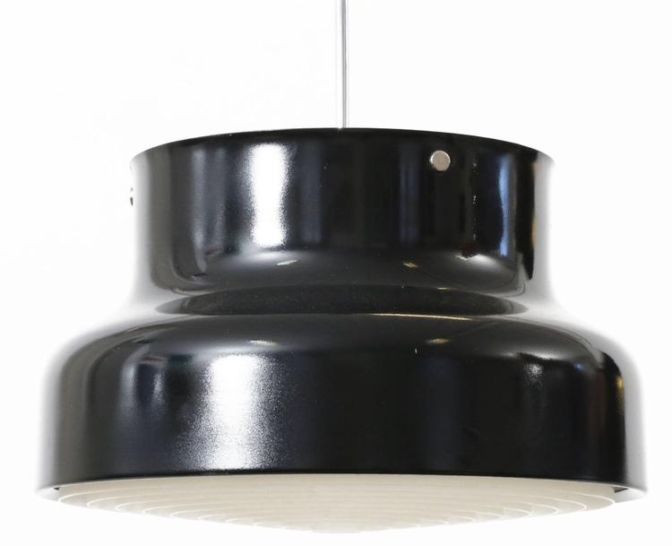 Svart Bumling. 40 cm i diameter