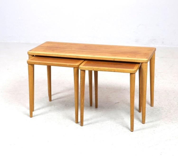 Satsbord i teak med tre delar