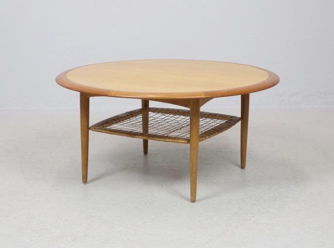 Soffbord formgivet av Johannes Andersen