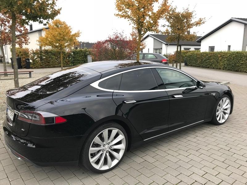 Tesla S med solfilm