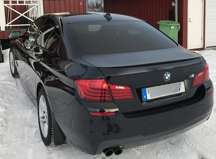 BMW 5-serie sedan med ljus solfilm