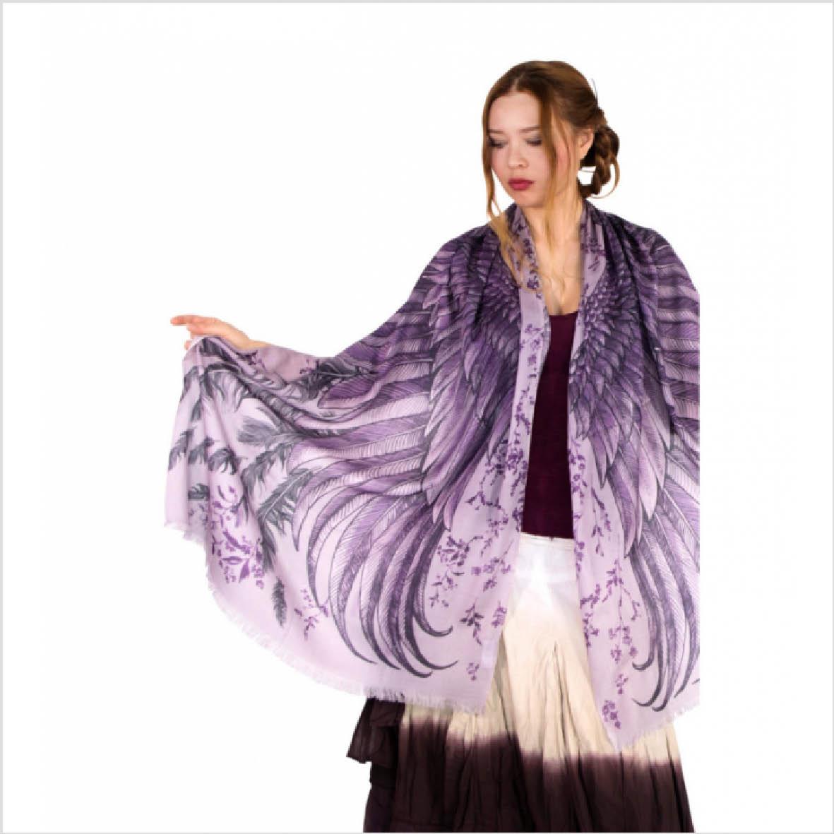 Sjal med vingar från Shovava - Purple