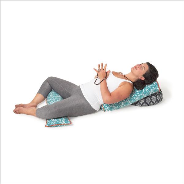 Yogabolster Oval från Chattra - Sky Feather