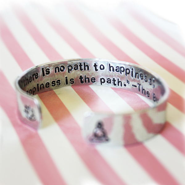 Armband från Zenned Out - There is no path to happiness