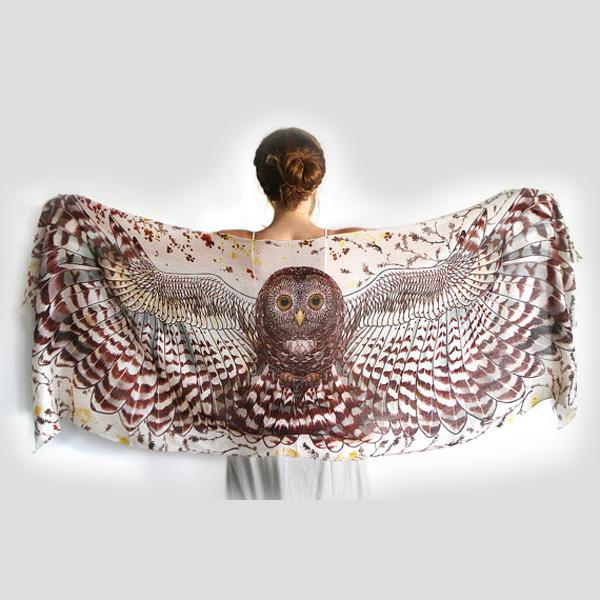Sjal med vingar från Shovava - Day Owl