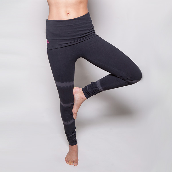 Yogaleggings Shaktified från Urban Goddess -  Charcoal/lava Shunya