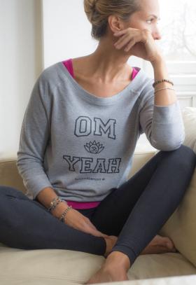 "Yogatröja ""Om Yeah"" från Natural Born Yogi"