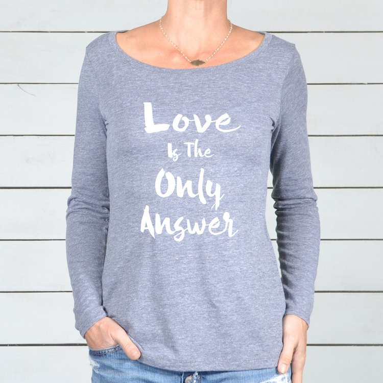 Långärmad Tröja Love is the only answer från SuperLove Tees