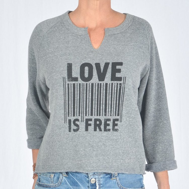 Tröja Love is free 3/4  från SuperLove Tees
