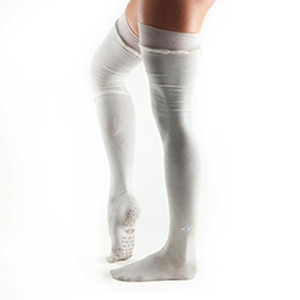 Yogastrumpor Tavi Noir Johnny Over-Knee Grip Socks - Cream