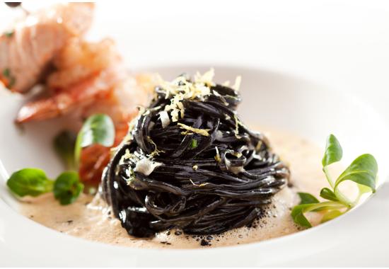 Svart pasta blev en ljus historia