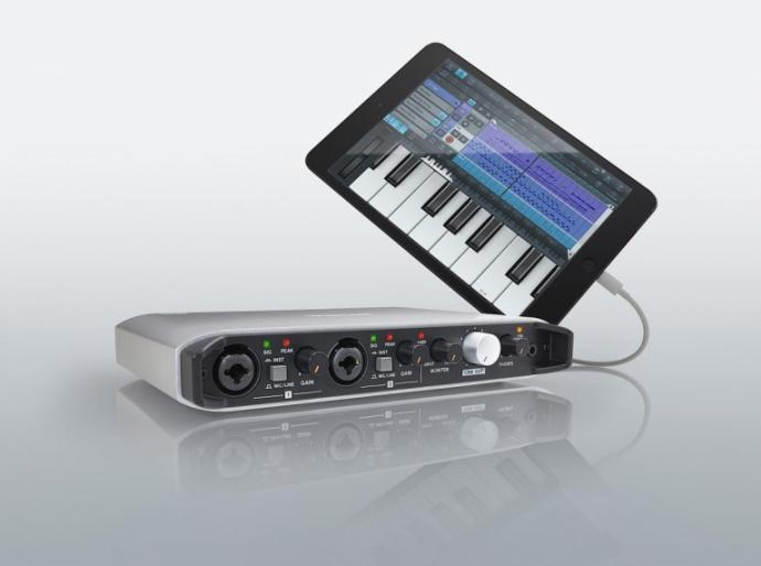 TASCAM IXR USB AUDIO OCH MIDI INTERFACE 2 IN  2 OUT