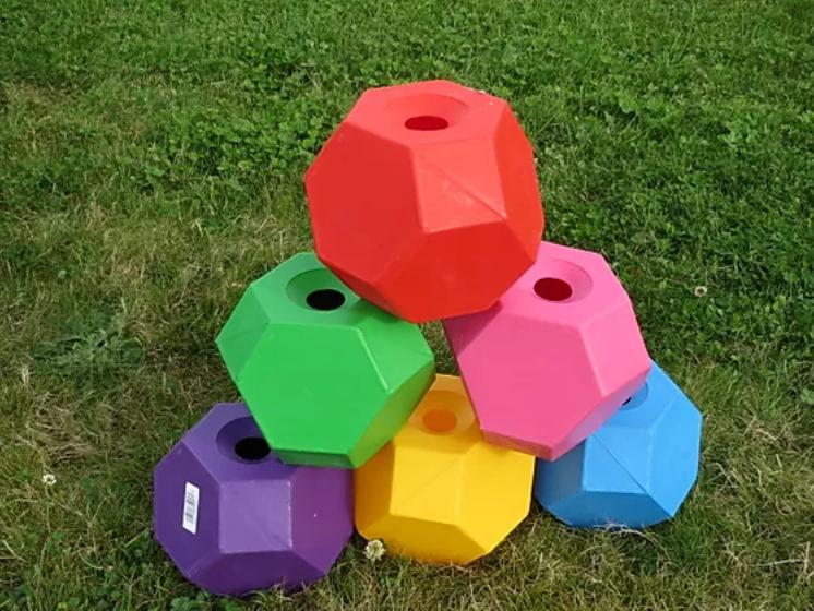 Leikkipallo kulmikas