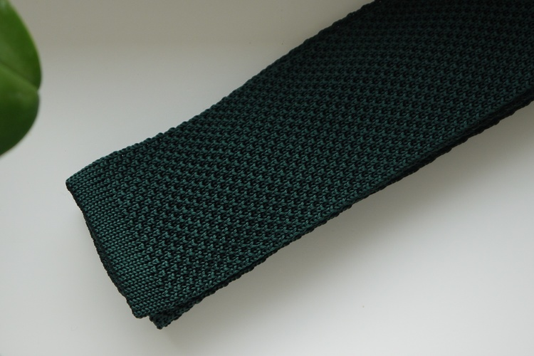 Solid Knitted Silk Tie - Dark Green