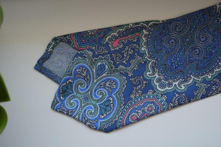 Oriental Paisley Printed Silk Tie - Light Blue/Pink