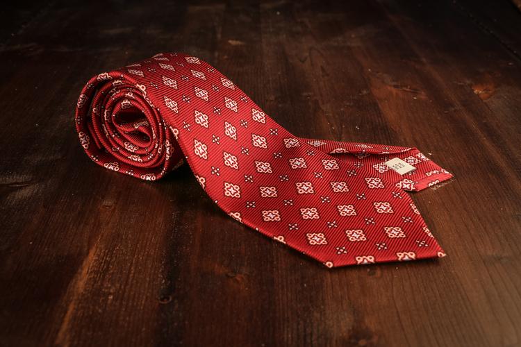 Medallion Vintage Silk Tie - Burgundy/Pink