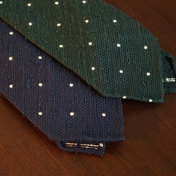 Untipped Polka Dot - Navy Blue/White