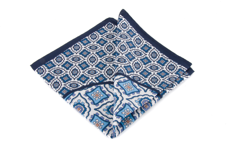 Silk Medallion - Navy Blue/White (36x36)