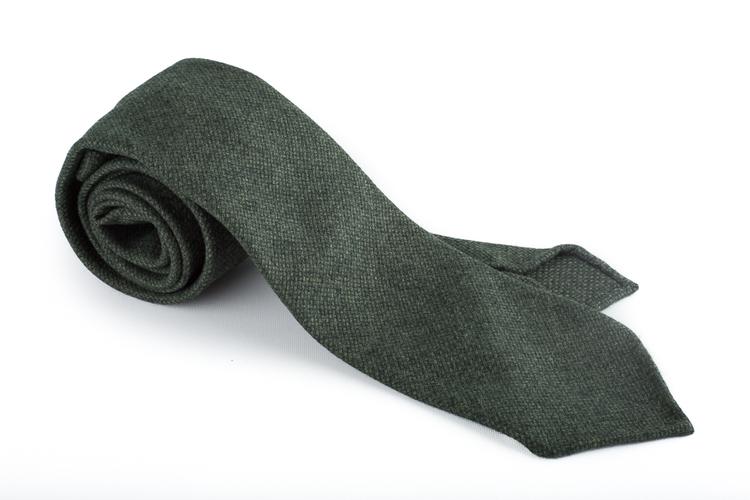 Wool Untipped Solid - Dark Green