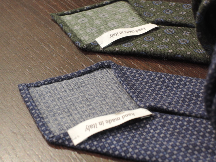 Wool Untipped Floral - Olive Green/Light Blue/Grey