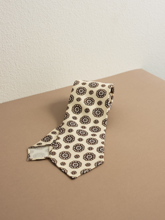 Printed Medallion Untipped - Off White/Brown