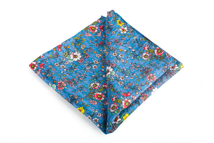 Silk Floral Vintage - Light Blue/Red/Yellow/White