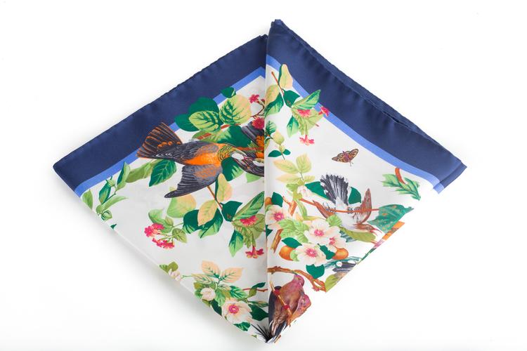 Silk Floral Bird - White/Navy Blue (45x45)