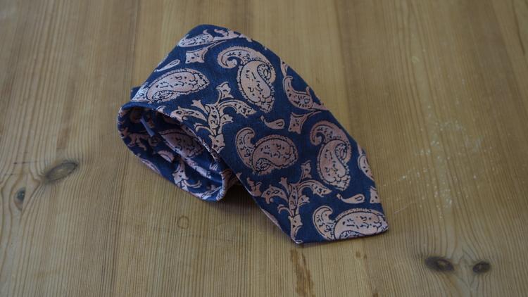 Silk Paisley - Navy Blue/Beige/Pink