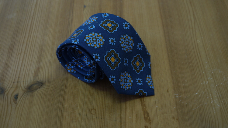 Cotton/Silk Medallion - Navy Blue/Light Blue/Beige
