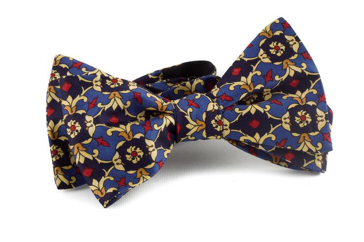 Self tie Silk Vintage Medallion - Navy Blue/Yellow/Light Blue/Red