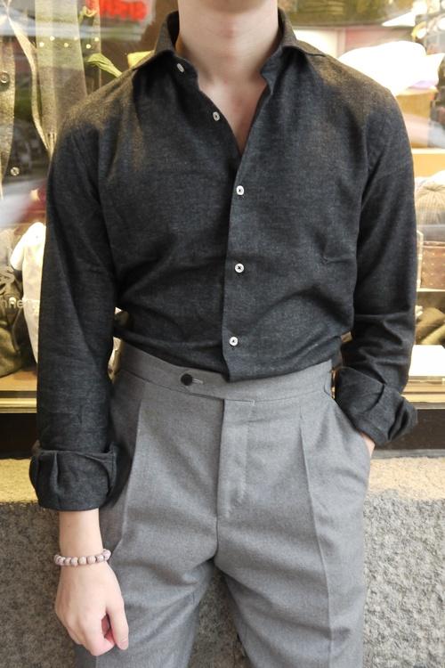 Solid Flannel Shirt - Cutaway - Dark Grey