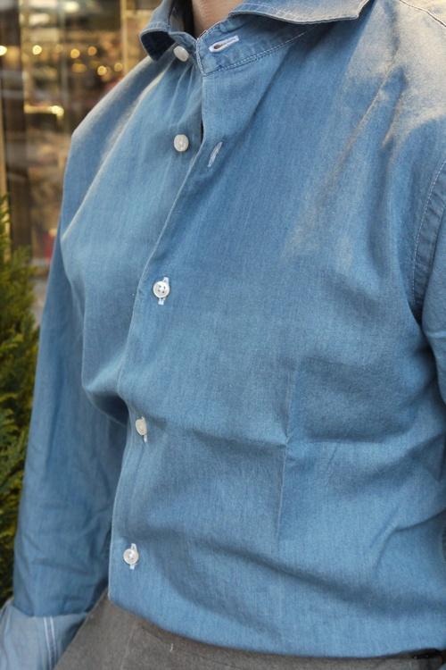 Solid Denim Shirt - Cutaway - Light Navy Blue