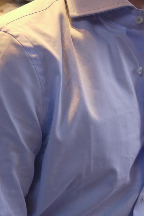 Solid Fine Twill Shirt - Cutaway - Light Blue