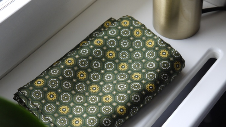 Medallion Silk Scarf - Green/Yellow