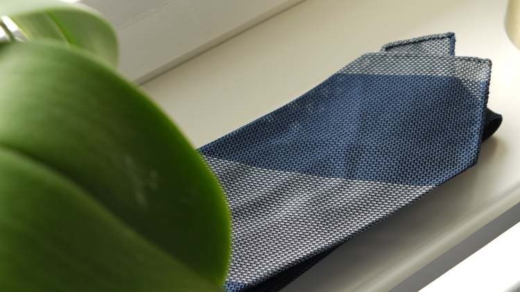Blockstripe Silk Grenadine Tie - Untipped - Grey/Navy Blue