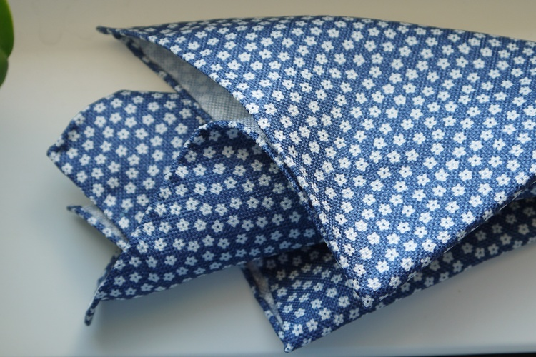 Floral Textured Silk Pocket Square - Navy Blue/White