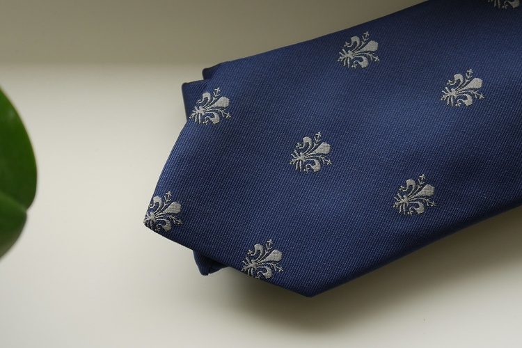 French Lily Silk Tie - Navy Blue/Beige