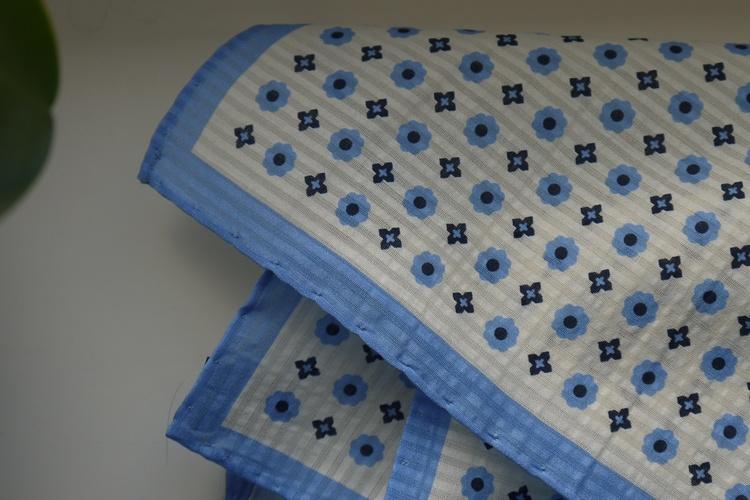Floral Seersucker Cotton/Silk Pocket Square - Off White/Light Blue/Navy