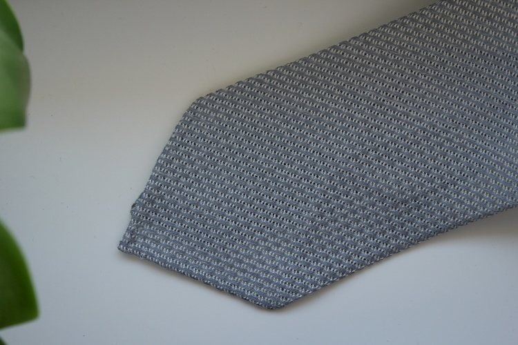 Solid Linen/Silk Grenadine Tie - Untipped - Grey