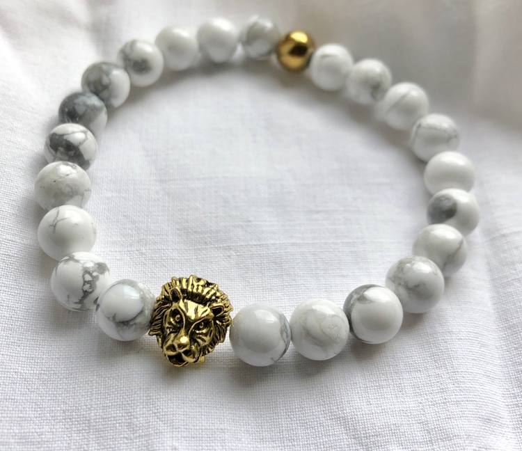 Lejonkungen vit