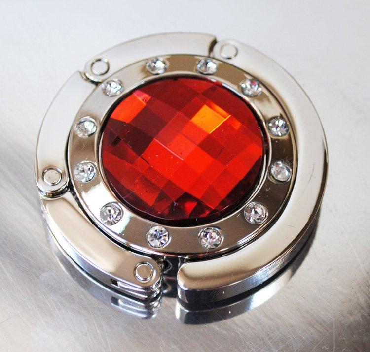Väskhängare i silver och röd