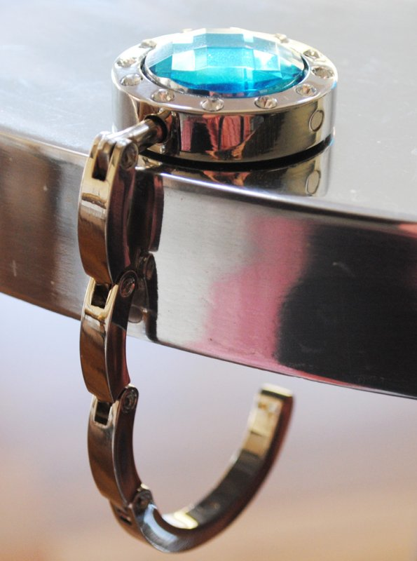 Väskhängare i silver och brun/guld