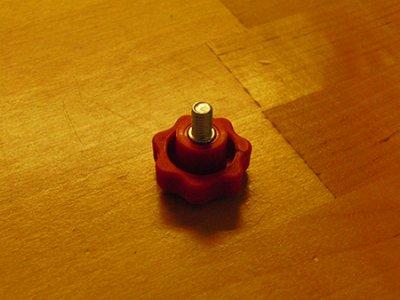 MIM Ratteskrue M6 30 x 15 mm rød