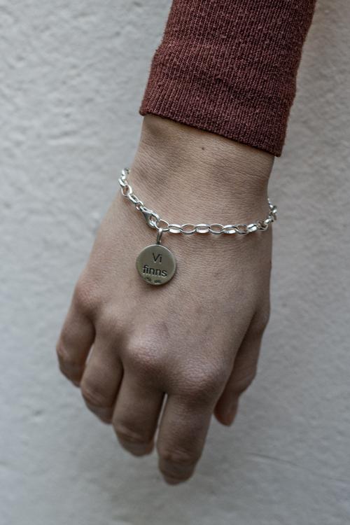 "Armband ""Vi finns"""
