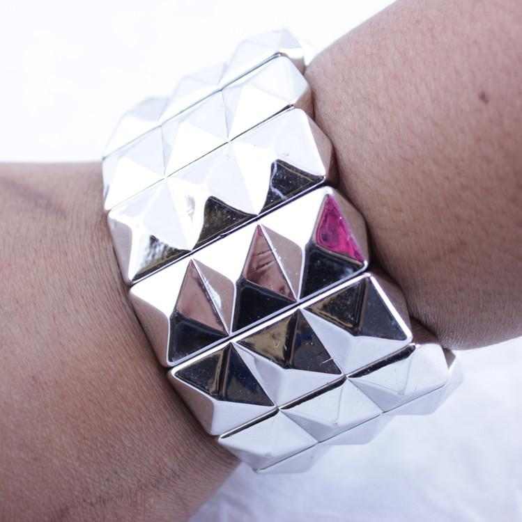 Armband  Pyramidnitar